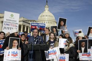 250 liberal groups urge Democrats to reject DACA bills that include 'nativist' demands