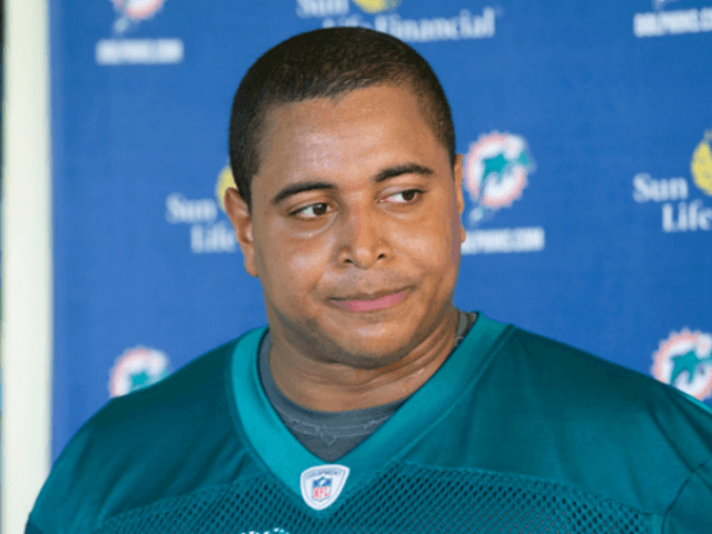 Jonathan Martin Reportedly Surrenders to Police on Charges from Instagram Post