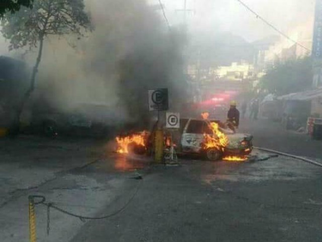 15 Killed in Day as Mexican Cartel Burns Acapulco
