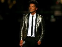 Bruno Mars performs during the Pepsi Super Bowl XLVIII Halftime Show at MetLife Stadium on February 2, 2014 in East Rutherford, New Jersey. (Photo by Elsa/Getty Images)