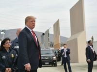 'Now or Never': Spending Bill Veto Is Trump's Last Chance to Save Border Wall from GOP Subterfuge