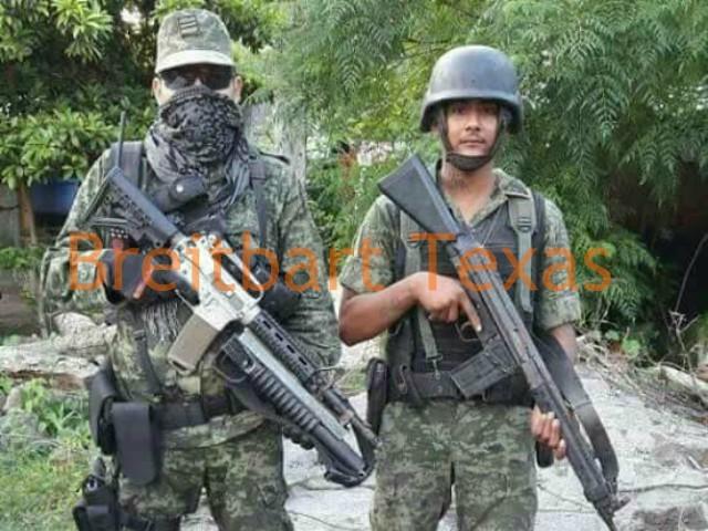 """SE AVERGUENZA el EJERCITO y CAPTURA a """"CAPO COMPINCHE"""" en MICHOACAN...las instituciones no se manchan, los hombres si. Michoacan-gunman-5"""
