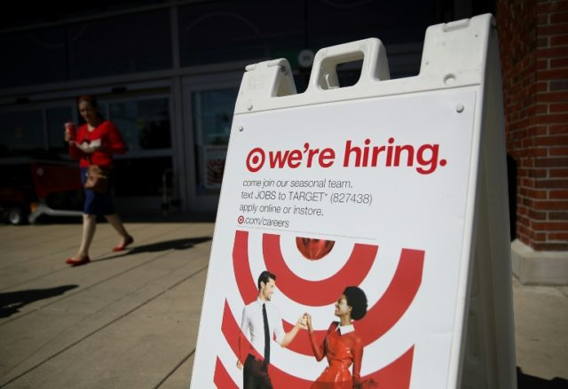 US private sector hiring stays strong in February