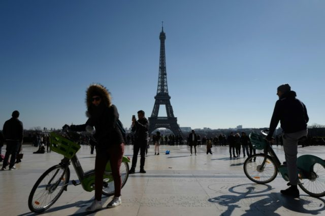 Calamitous Paris bike-hire rollout will be complete by May: mayor