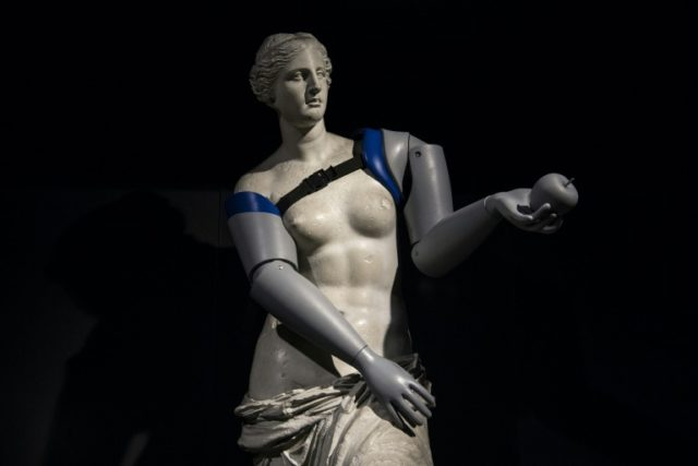 A replica of the Venus de Milo was given prosthetic arms at a Paris metro station on Tuesday as part of a campaign by Handicap International