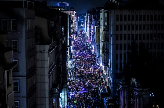 Turkish women fill Istanbul to demand greater rights