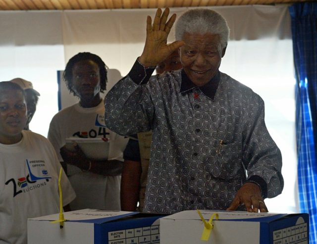 Gold casts of Nelson Mandela's hands to go on tour