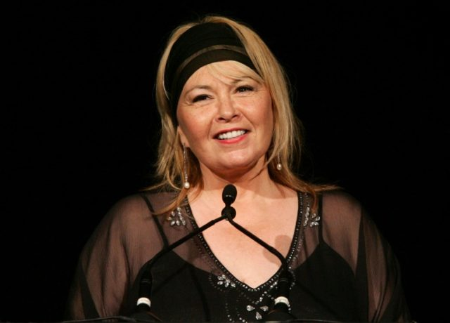 """Actress Rosanne Barr, seen here in a May 10, 2006 picture, has a ratings hit with the return sitcom """"Roseanne,"""" drawing a congratulatory call from US President Donald Trump"""