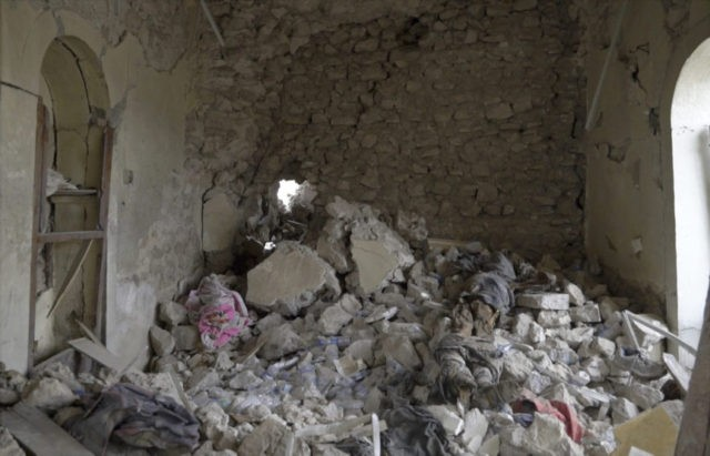 IS bodies still litter Mosul's Old City months after battle