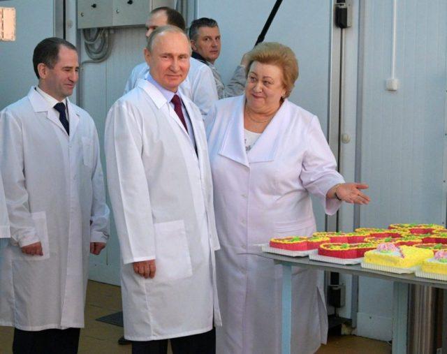Putin praises Trump, says US political system eating itself