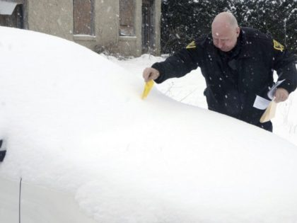 Northeast braces for spring nor'easter's heavy snow, winds