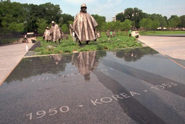Sculptor of Korean War memorial soldiers dies at 93