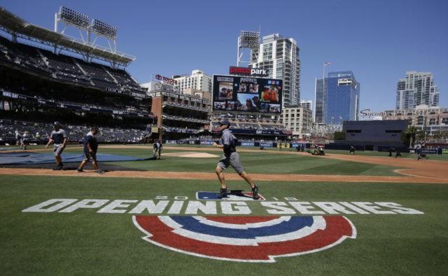 The Latest: Matt Davidson homers 3 times vs Royals