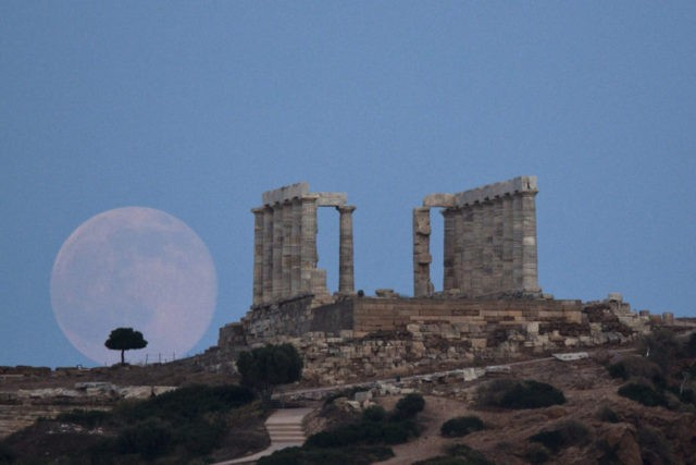Greek govt upset as spy show denied access to ancient temple