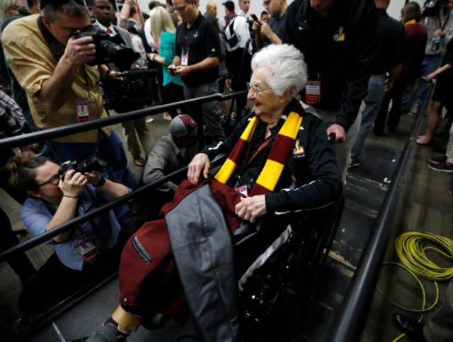 Heaven sent: Chat with Sister Jean brightens up Final Four