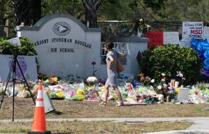 Parkland school shooter withdraws not guilty plea