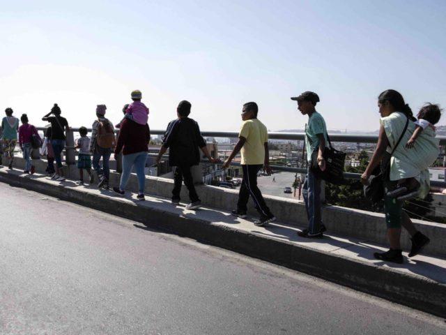 Border caravan (Guillermo Arias / AFP / Getty)