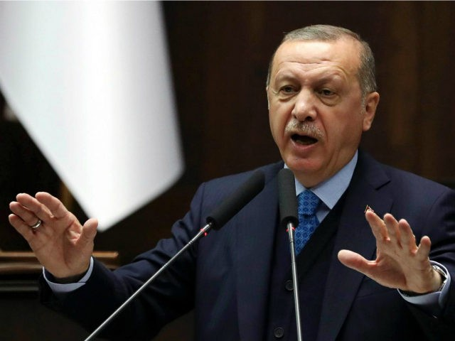 Syria war: Turkey can't handle new 'refugee wave', says Erdogan