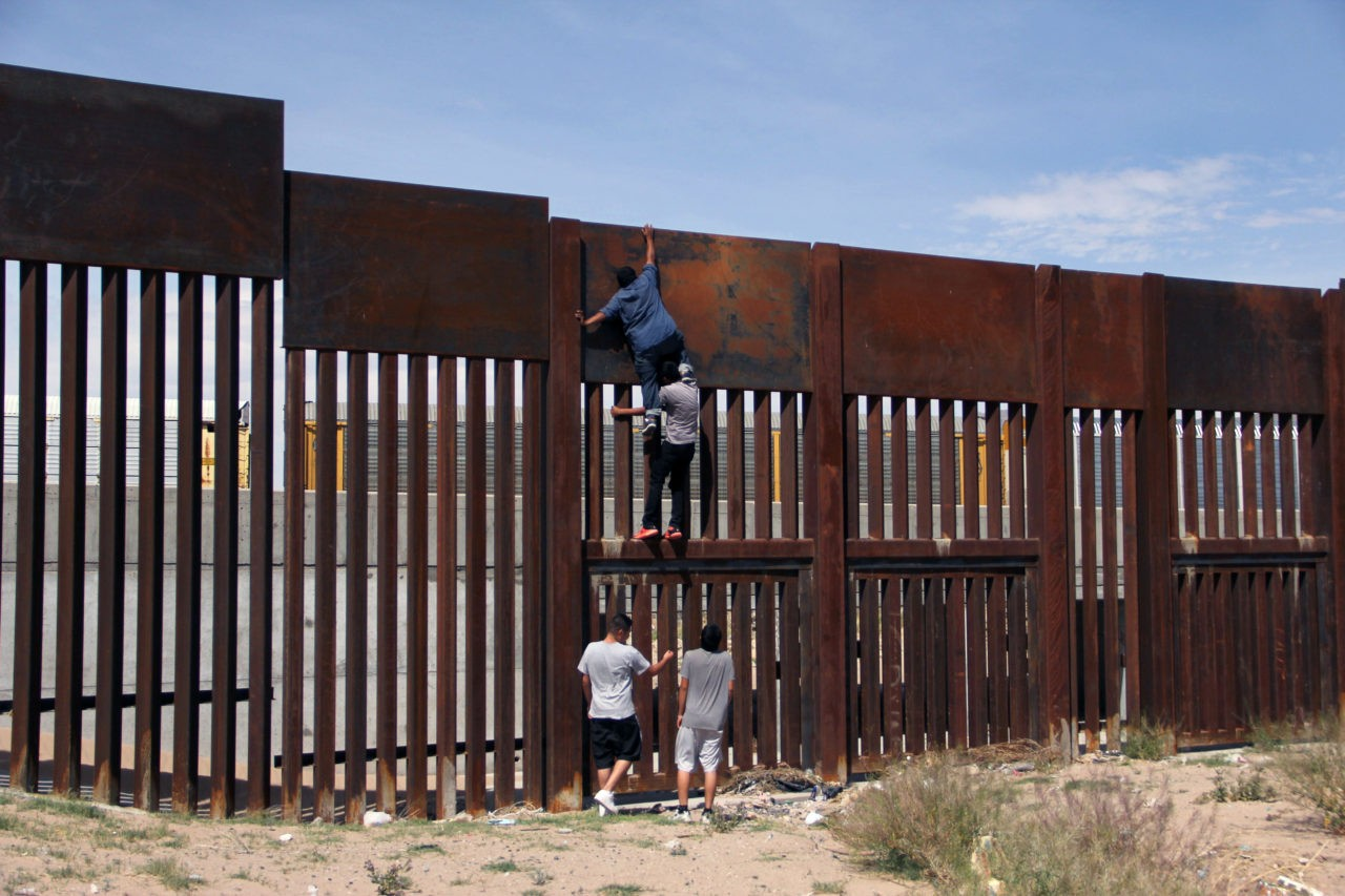 Leaked Document Shows That Obama Supported Building a ... |Obamas Border Fence