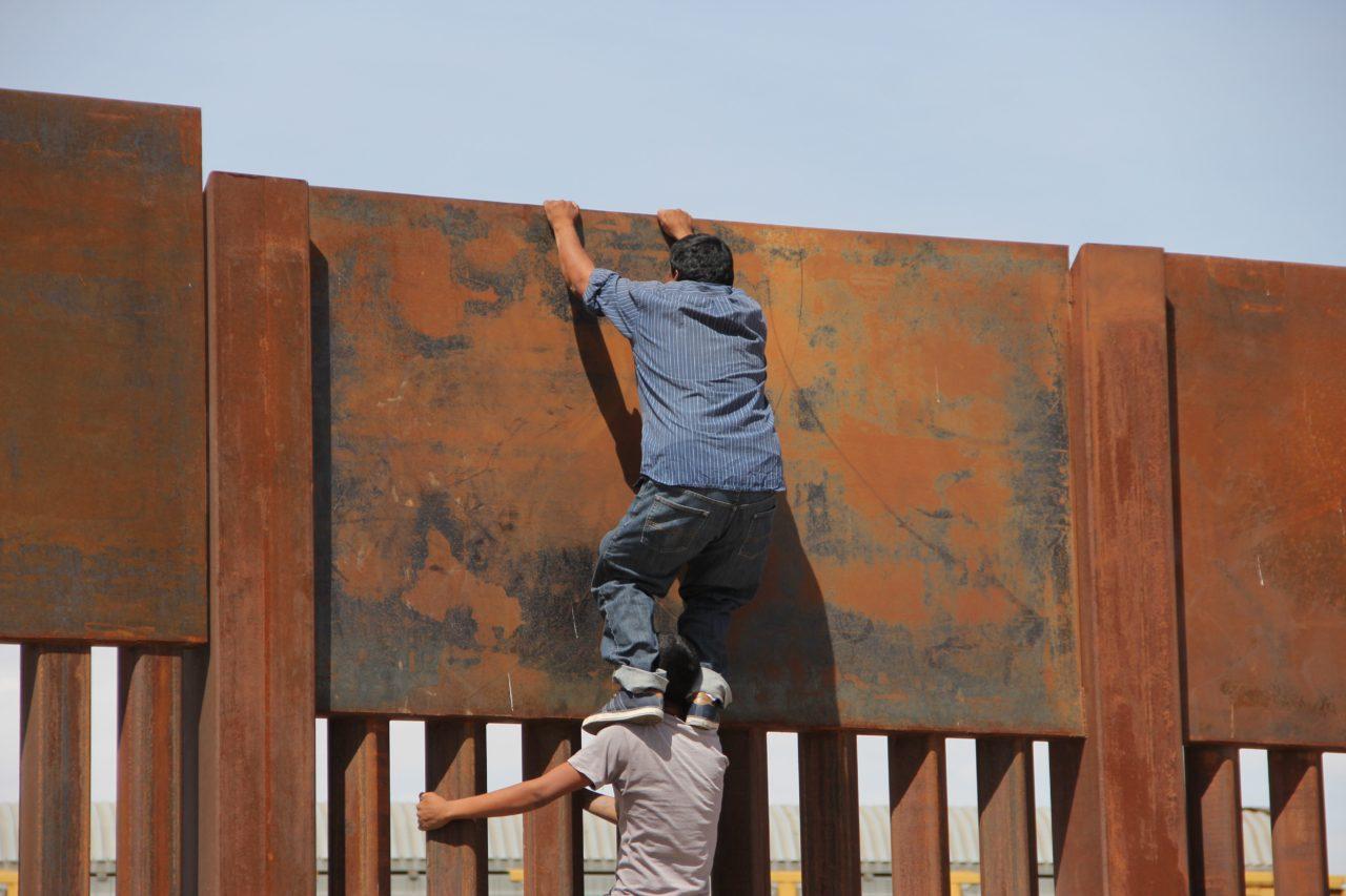 Obama Claims Border Fence Nearly Complete| Latest News ... |Obamas Border Fence