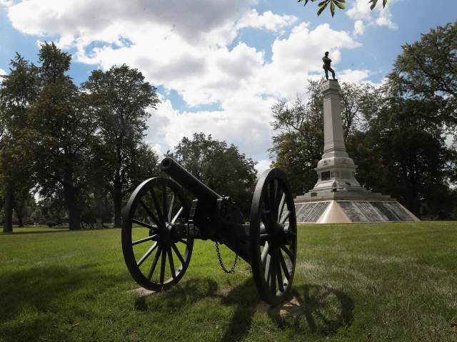 UGUST 23: Confederate Mound, a memorial to more than 4,000 Confederate prisoners of war who died in captivity at Camp Douglas and are buried around the monument, sits in a Southside cemetery on August 23, 2017 in Chicago, Illinois. The monument, which is maintained by the National Park Service, is located inside the private Oak Woods Cemetery. Cities around the country are debating what to do with Confederate monuments following recent protests and calls for their removal. (Photo by Scott Olson/Getty Images)