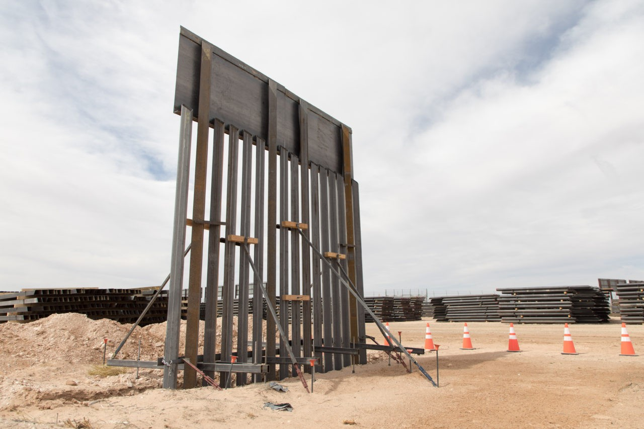 Far-right Hungarian mayor boasts of success of border fence