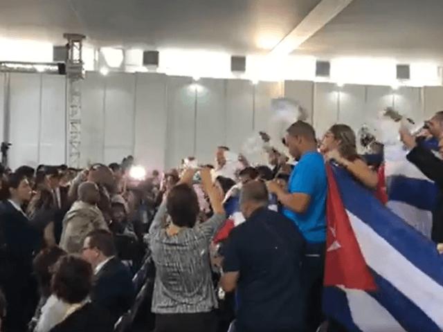 EN VIVO: La delegación del régimen sabotea foro en la Cumbre de Lima