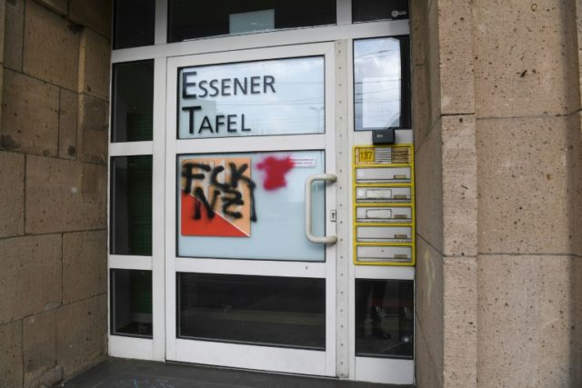 The entrance of the Essener Tafel (Essen Foodbank) was smeared with the word Nazis