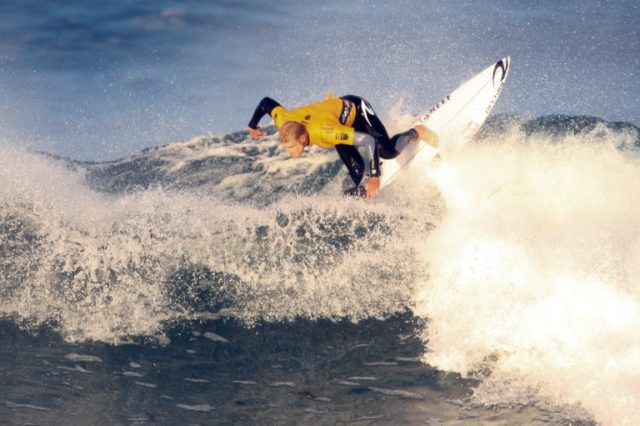 Aussie surfing great Fanning signs off with dramatic finish