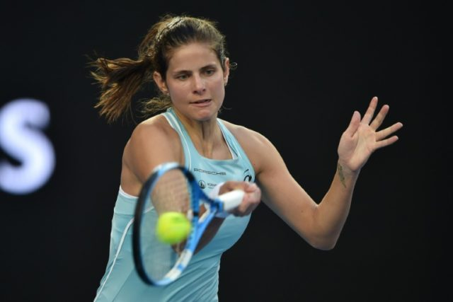 Germany's Julia Goerges blasted 33 winners and kept her unforced errors to a minimum to shutdown defending champ Daria Kasatkina 6-4, 6-3 and move to the WTA Charleston semi-finals