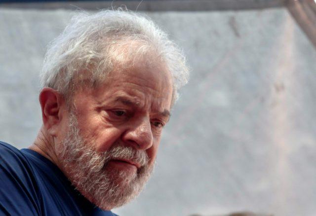 Brazilian ex-president Luiz Inacio Lula da Silva has surrendered to police to begin a 12-year prison sentence for corruption