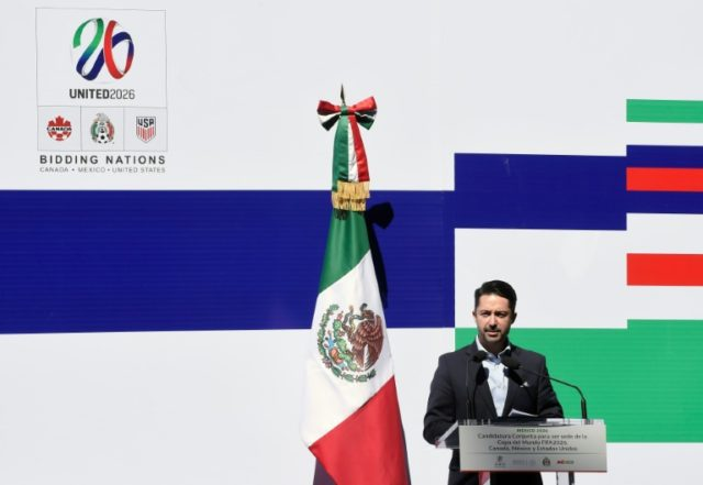 The United States, Mexico and Canada announced a joint bid to stage the 2026 World Cup on Monday, aiming to become the first three-way co-hosts in the history of FIFA's showpiece tournament