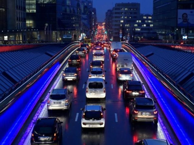 EU set to miss target for halving road deaths by 2020