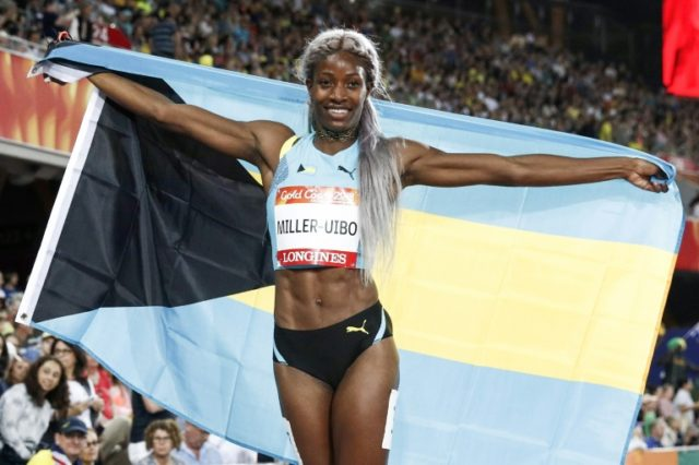 Shaunae Miller-Uibo set a new Games record in the women's 200m.