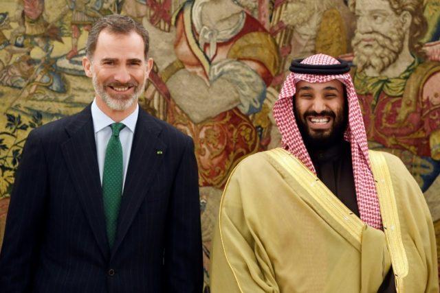 Saudi Arabia's crown prince Mohammed bin Salman (R) met Spain's king Felipe VI at La Zarzuela palace in Madrid amid reports of a possible deal over warship sales