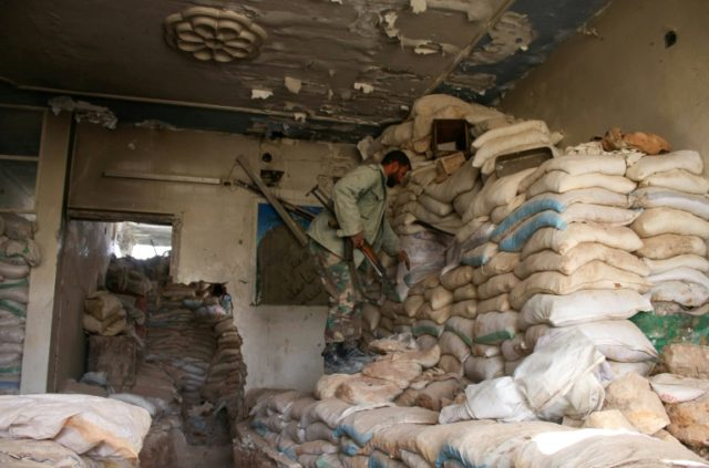 Syria rebels dig in for Daraa fight