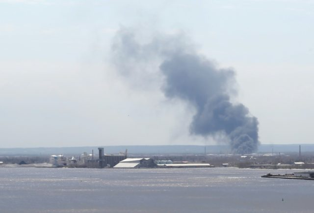 Multiple injuries, wide evacuations in US oil refinery explosion