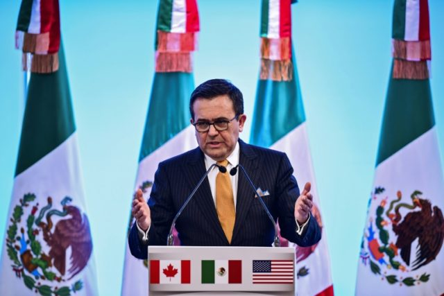 Mexican Economy Minister Ildelfonso Guajardo met with his Canadian and US counterparts in Washington this week trying to break the NAFTA deadlock