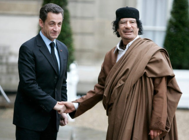 Nicolas Sarkozy, Moammar Gadhafi