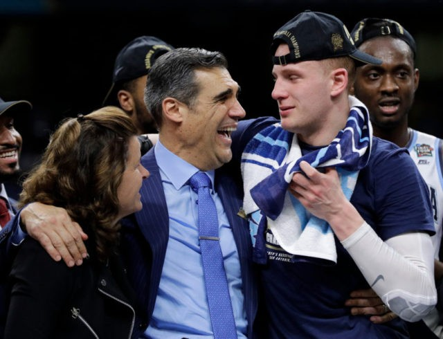 Villanova's 6th man breaks out in starring role vs Michigan