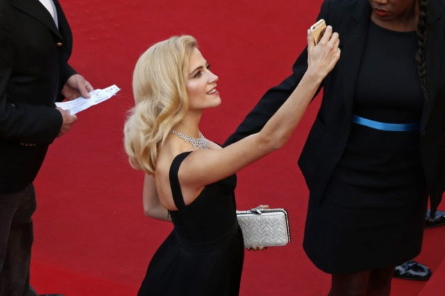'Grotesque' red carpet selfies banned at Cannes festival
