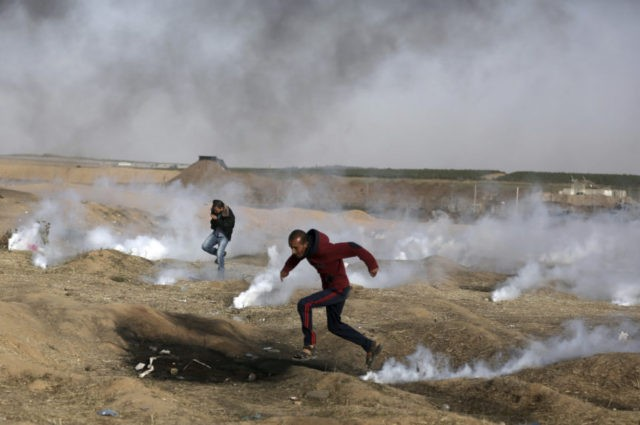 Officials: 1 Palestinian killed, 163 wounded by Israeli fire