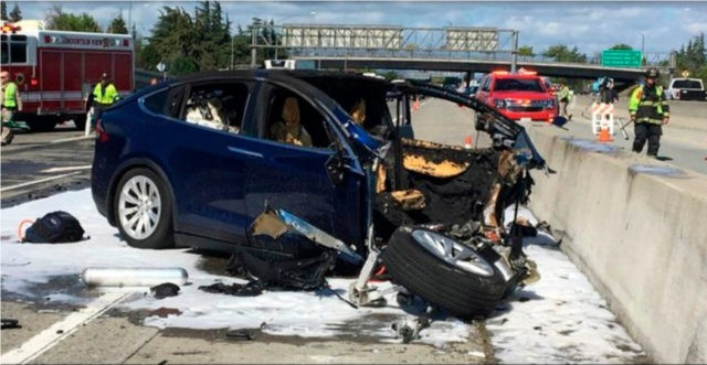 Tesla, Feds clash over release of fatal crash information