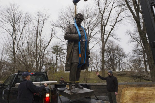 NYC removes statue of doctor who experimented on slaves