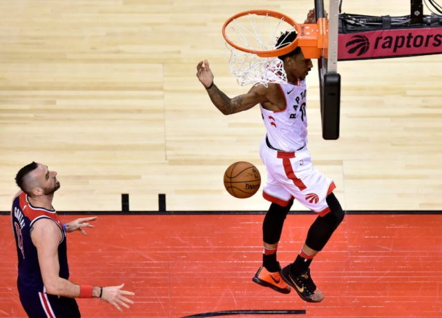 DeRozan scores 37, Raptors win Game 2, beat Wizards 130-111