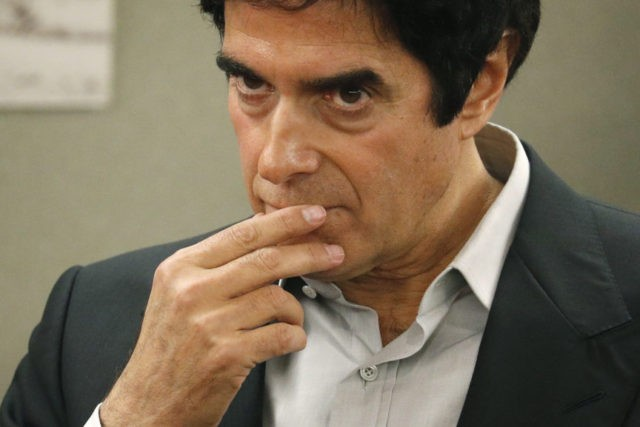Illusionist Copperfield takes stand in tourist injury case
