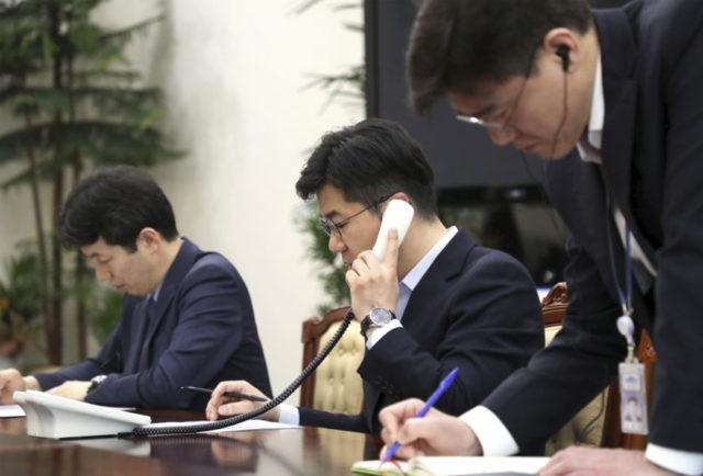 Koreas set up 1st hotline between leaders ahead of summit