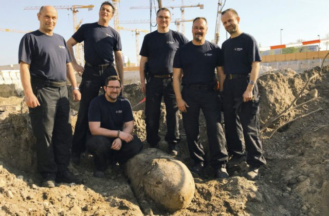 WWII bomb defused in Berlin after large central evacuation