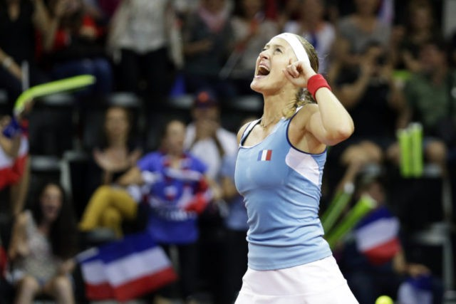 Fed Cup: France and US 1-1 in semifinals