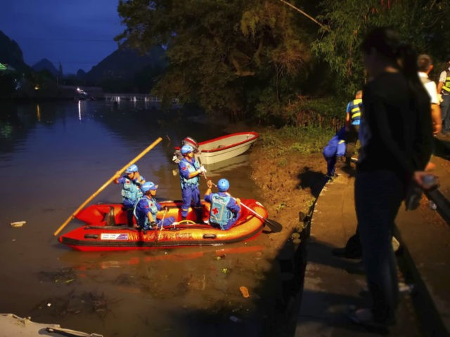 17 killed as 2 dragon boats capsize in southern China